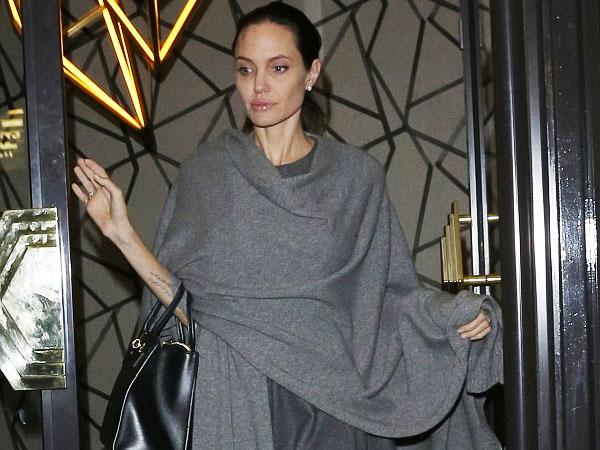 Terlalu Kurus, Kondisi Angelina Jolie Sangat Memprihatinkan