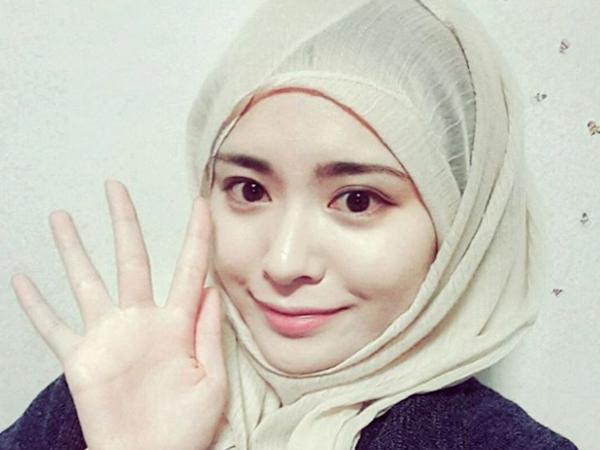 Ayana Moon, Hijabers Asal Korea yang Jadi Celegram