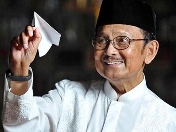 Innalillahi, Presiden Ketiga Indonesia BJ. Habibie Dikonfirmasi Meninggal Dunia