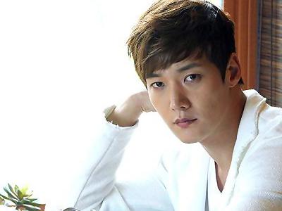 Aktor Choi Jin Hyuk Sering Buat Marah Senior di Awal Karirnya?