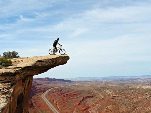 Hindari Kecelakaan Di Gunung, Simak Tips Berfoto Saat Hiking