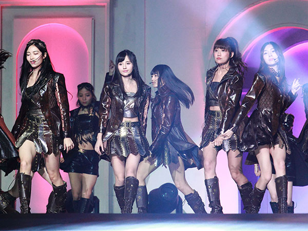 Heboh China Akan Hukum Penyanyi yang Ketahuan Lipsync