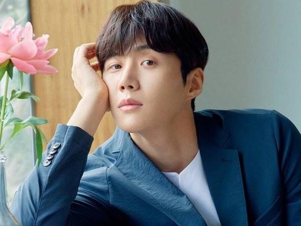 Kim Seon Ho akan Rilis Lagu yang Ditulis Sendiri