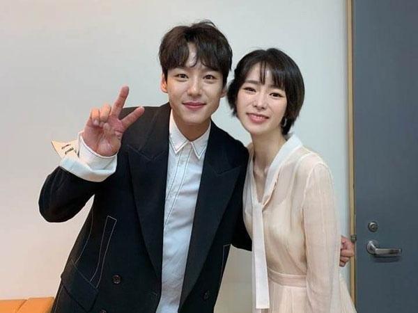 Agensi Kompak Bantah Rumor Pacaran Kwak Si Yang-Lim Ji Yeon 'Welcome 2 Life'