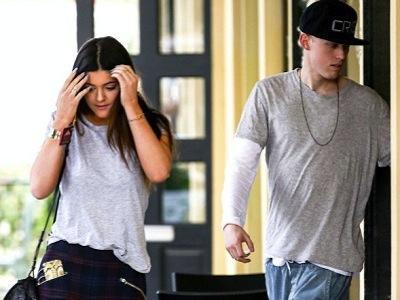 Demi Bantah Pacaran dengan Jaden Smith, Kylie Jenner Jalan dengan Pria Misterius?