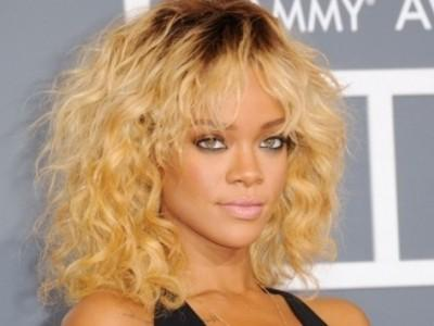 Rihanna Setujui Tampil di MTV Video Music Awards 2012