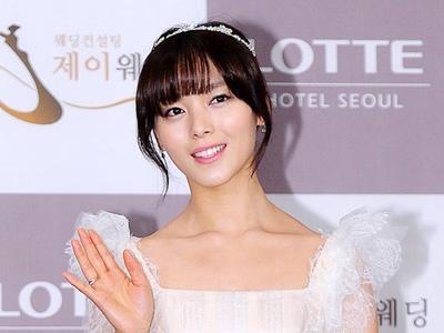 Kabarkan Kondisi Pasca Melahirkan, Sunye Wonder Girls Selca Bareng Sang Putri