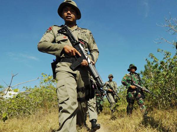 Kejar-Kejaran Dengan Kelompok Bersenjata, 2 Anggota TNI Sempat Disandera