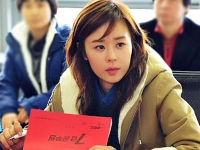 Choi Kang Hee Ingin Kabur Ke Luar Negeri dan Jualan Syal?