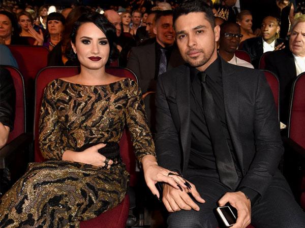 Romantis, Demi Lovato dan Wilmer Valderrama Saling Kirim Pesan Manis di Hari Valentine