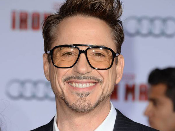 Robert Downey Jr. Dianggap Permainkan Fans Tentang Seri Keempat Iron Man?