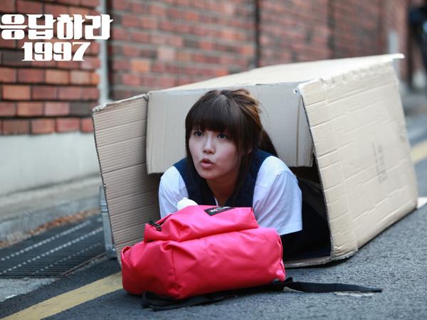 Sering Rugikan Para Idola, Inikah Penyebab Hadirnya 'Sasaeng Fans' di Korea?