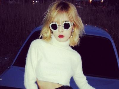 Unggah Foto Seksi, HyunA Bocorkan Konsep Comeback Trouble Maker?