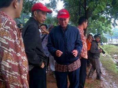 Tanggul Jebol Latuharhary Tetap Ditunggui Jokowi