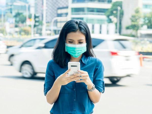 Bukan Pakai Masker, Dokter Ini Imbau Rajin Bersihkan Ponsel untuk Cegah Corona
