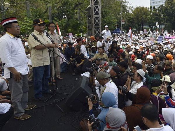 Prabowo Angkat Bicara Soal FPI Minta Senjata untuk Bela Rohingnya
