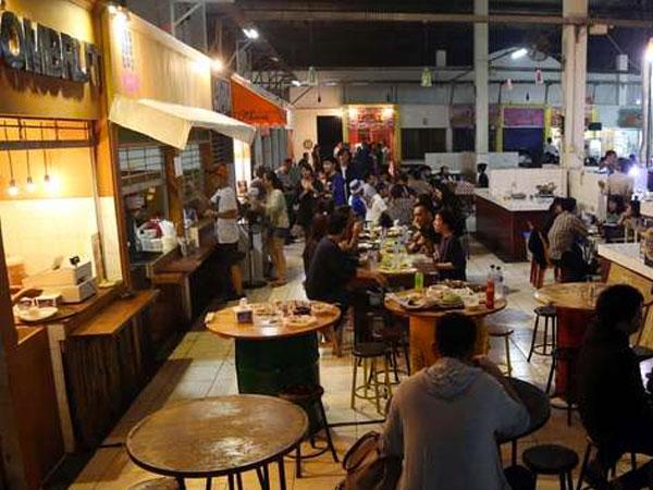 5 Pusat Jajanan Street Food di Jakarta yang Bisa Jadi Rekomendasi