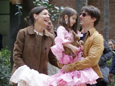 Rayakan Perceraian dengan Tom Cruise, Katie Holmes Gelar Pesta Besar?