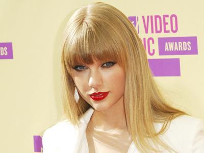 Taylor Swift Akui Dirinya Gampang Jatuh Cinta