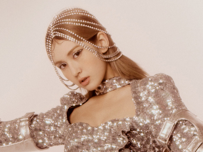 Jelang Comeback, Jeon Somi Dikontrak Label Musik Billie Eilish