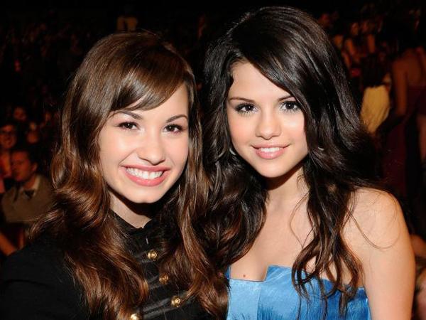 Demi Lovato Unfollow Selena Gomez?
