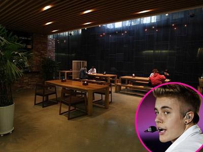 Sebelum Konser, Justin Bieber Sempatkan Makan di Kafetaria YG Entertainment