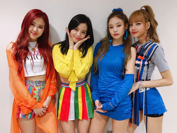BLACKPINK Catat Sejarah Baru di Chart Billboard Hot 100!