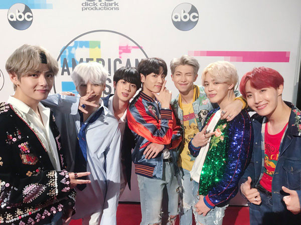 Simak Lagi Momen Bersejarah BTS di American Music Awards 2017