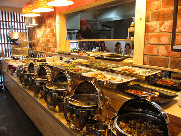 Berkunjung ke Restoran Halal di Tengah Gemerlap Distrik Gangnam,