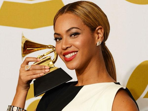 Hamil Anak Kembar, Bagaimana Nasib Penampilan Beyonce Knowles di Grammy Awards 2017?