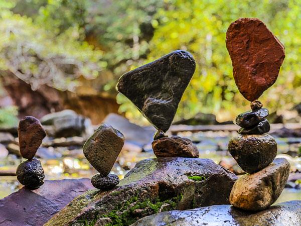 Manfaat Kesehatan di Balik Hobi Unik 'Rock Balancing'
