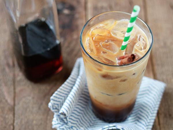 Buat Kegiatan Minum Iced Coffee Jadi Lebih Seru dengan Campuran Ini