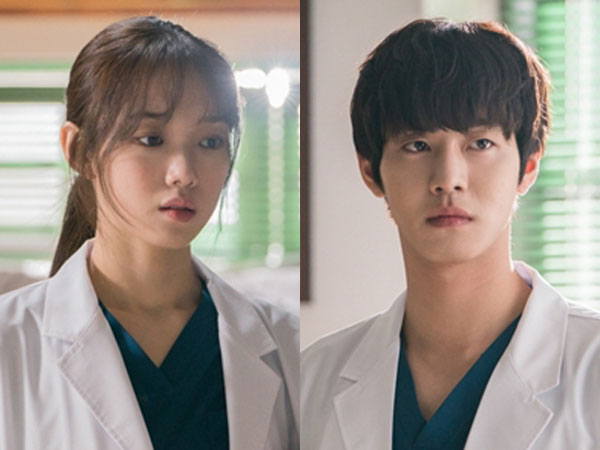 Rahasia Hubungan Lee Sung Kyung dan Ahn Hyo Seop di 'Romantic Doctor Kim 2'