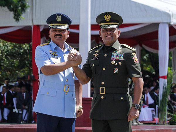 Gatot Nurmantyo Resmi Serahkan Jabatan Panglima TNI Pada Marsekal Hadi Tjahjanto