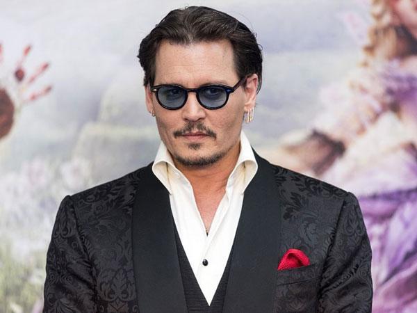 Johnny Depp Tunjukkan Perubahan Drastis, Netizen Banyak yang Shock!