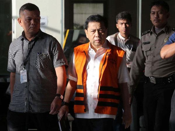 Ingin Bantu KPK, Ada Nama Besar yang Akan Diungkap Setya Novanto di Kasus e-KTP?