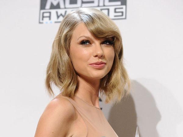 Konser di Inggris, Taylor Swift Pamer Kedekatan Dengan Beberapa Selebriti Ternama!
