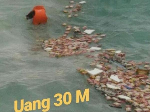 Penjelasan Terkini dari Foto Uang Rp 30 M Berhamburan di Laut dari KM Lestari Maju untuk Gaji ANS