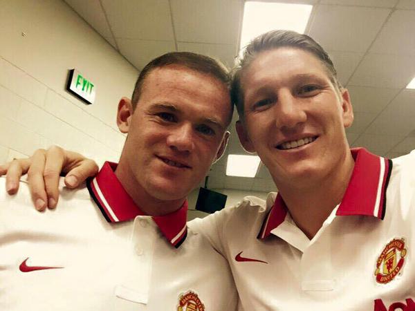 Kenakan Seragam MU Berlogo Nike, Wayne Rooney Kecewakan Adidas