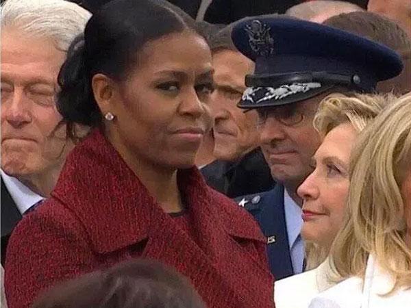 Senyum Kecut Hingga Lirikan Mata yang Tajam, Intip Ekspresi Michelle Obama Saat Pelantikan Trump
