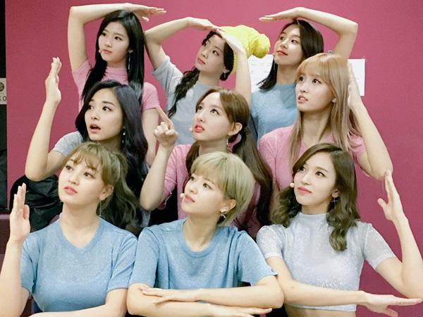 Selain Comeback, TWICE Juga akan Tunjukkan Aksi Komedinya di 'SNL Korea'!