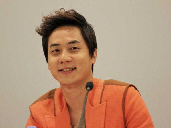 Andy Siapkan 'Kejutan' Untuk Fans Saat Menjadi MC Pengganti 'Weekly Idol'
