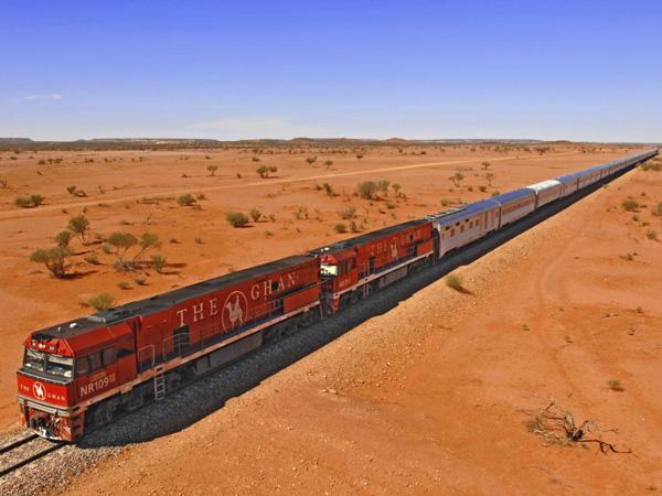 Pecahkan Rekor, Berani Mencoba Berwisata Dengan Kereta Terpanjang di Dunia?