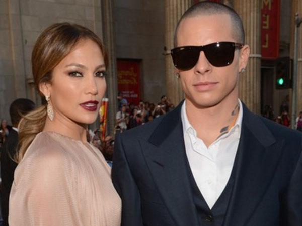 Jennifer Lopez Ingin Pernikahan Rahasia dengan Casper Smart?