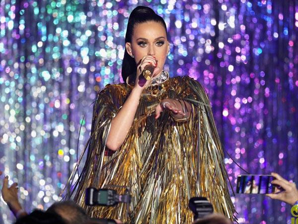 Katy Perry Siap Rilis Single Baru dan Konfirmasi Turnya Tahun Depan!