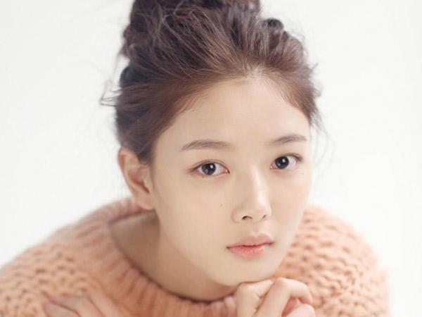 Kim Yoo Jung Akhirnya Angkat Bicara Setelah Adegan Mesranya Kena Tegur
