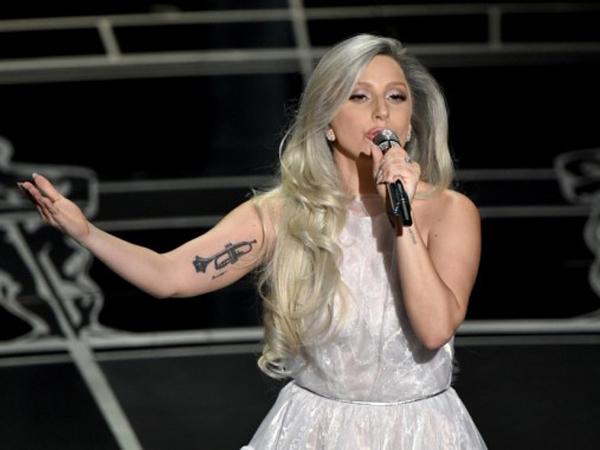 Lady Gaga Berlatih Keras Selama 6 Bulan Hanya Untuk Tampil di Oscars 2015
