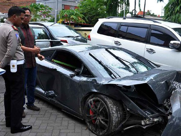 Keluar Rumah Sakit, Pengemudi Lamborghini Maut Resmi Ditahan