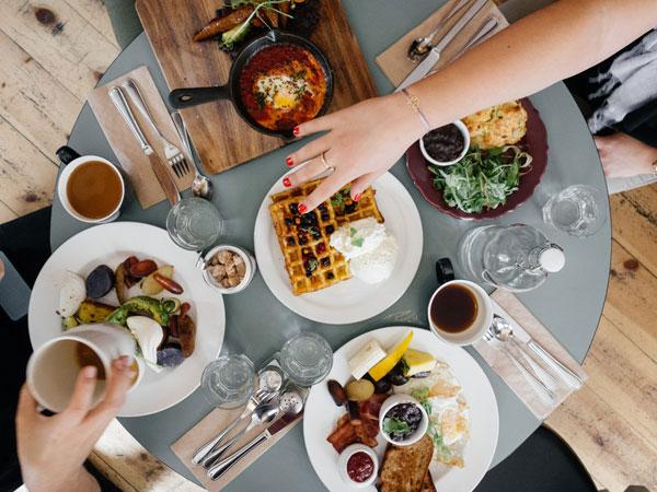 Ternyata Ada 'Pantangan' Makanan untuk si Pemilik Kulit Kering