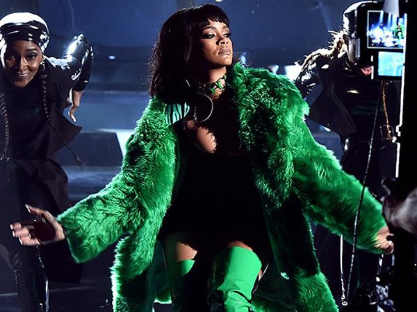 Banyak Adegan Kekerasan, Video Musik 'BBHMM' Rihanna Diboikot